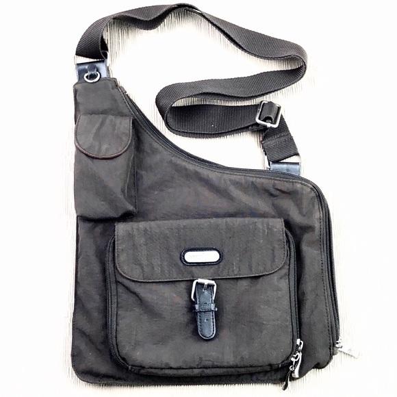 14c372562 Baggallini Bags   Pocket Crossover Crossbody Bag   Poshmark